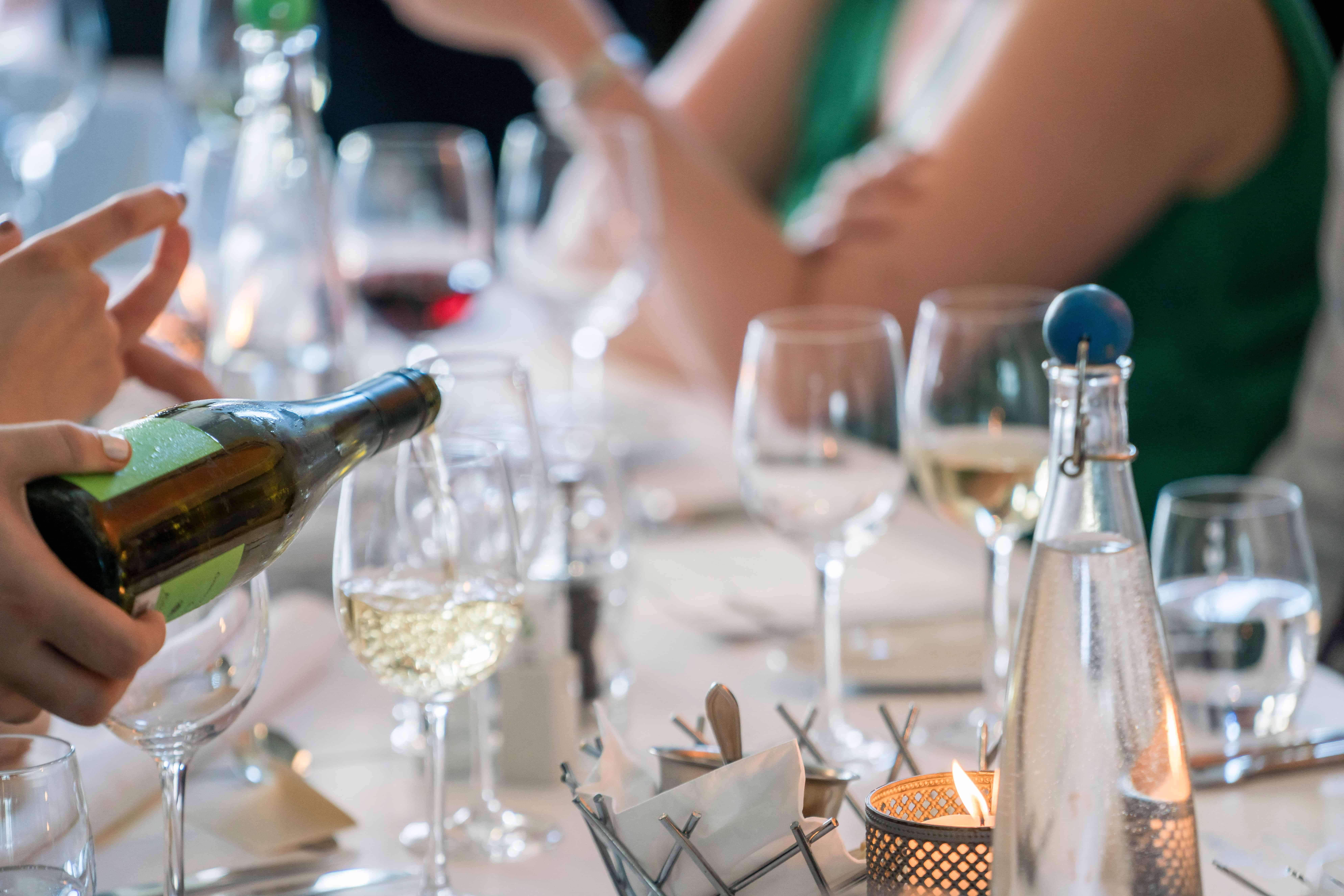 alcohol-bar-wedding-liability